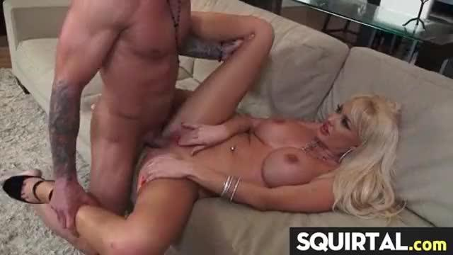 Teen latina squirts while getting fucked 27